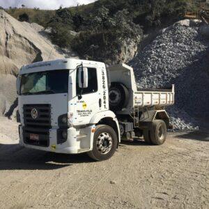 Caminhão de Pedra
