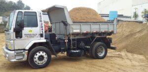 Caminhão de areia